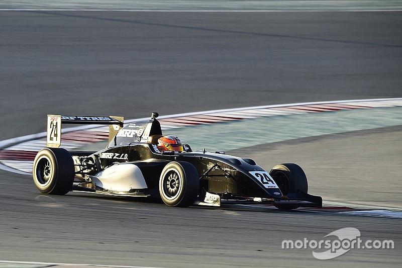 دبي: بيكاريللو يفوز في السباق الثالث القصير