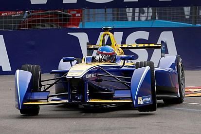 Prost fue el más veloz en la segunda práctica