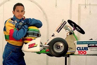 Hamilton deseja Feliz Ano Novo com foto de kart antigo