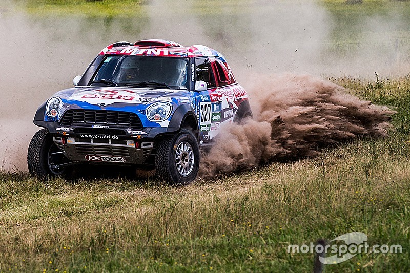 Dakar is go: 12 MINI ALL4 Racing line up for the start of the 2016 Dakar Rally