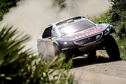 Peugeot domina e Peterhansel vence; Loeb segue líder