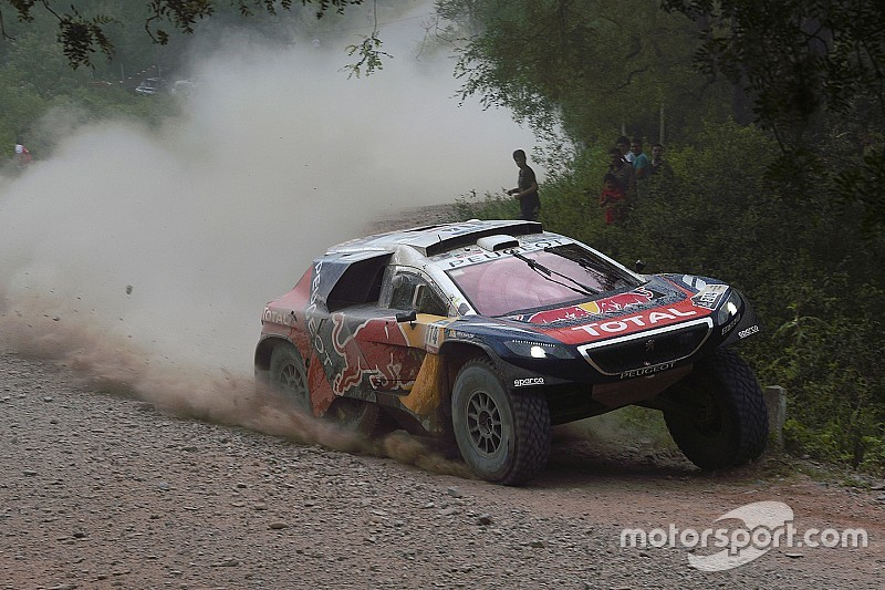 Loeb gana su tercera especial en el Dakar