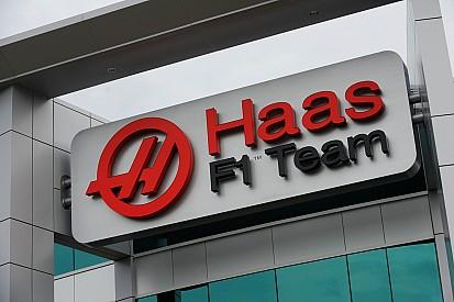 Haas passa por crash test e já pode treinar em Barcelona