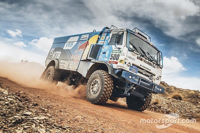 Dakar trucks: KAMAZ-truckers verslaan Nederlanders