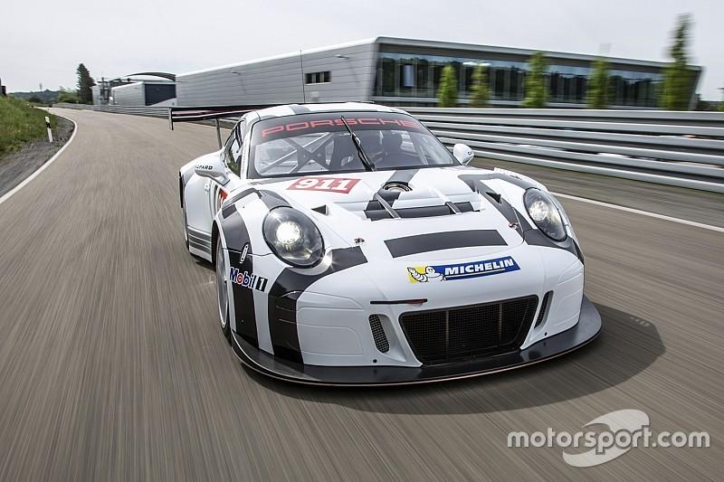 Team von Sportwagen-Weltmeister Timo Bernhard startet im GT-Masters