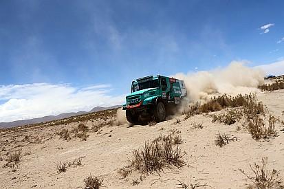 Dakar, Camion, Tappa 8: De Rooy rompe gli indugi
