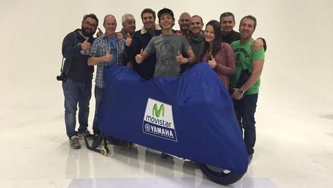 "Valentino Rossi ""coccola"" già la Yamaha M1 2016"