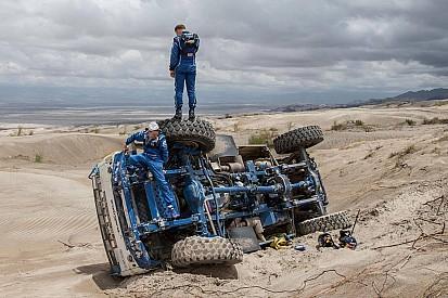 """Dakar, Nikolaev: """"Capotati scendendo da una duna"""""""