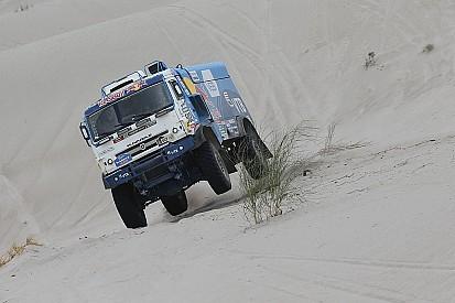 Dakar, Camion, Tappa 11: Nikolaev non sorprende De Rooy