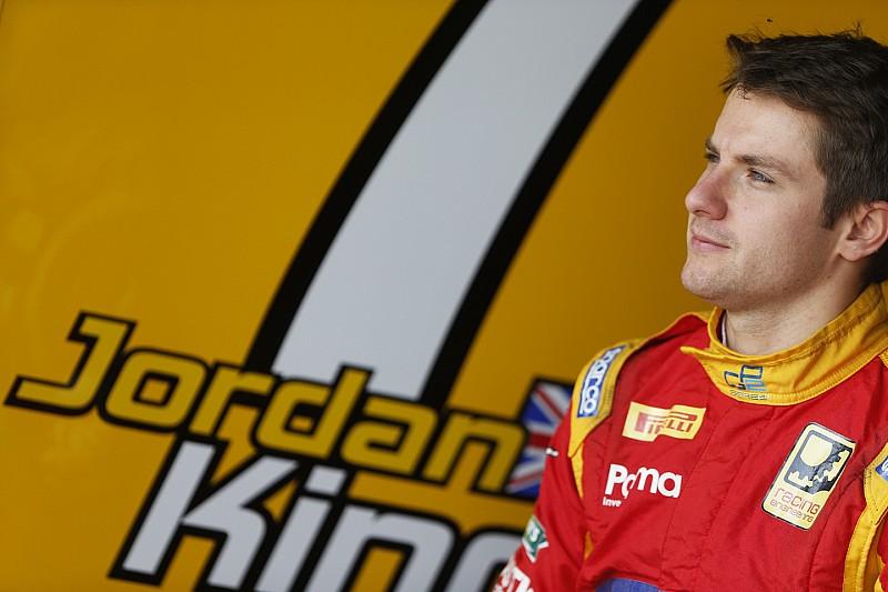 Jordan King reste chez Racing Engineering et vise le championnat