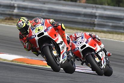 Маркес предсказал победы Ducati в 2016-м