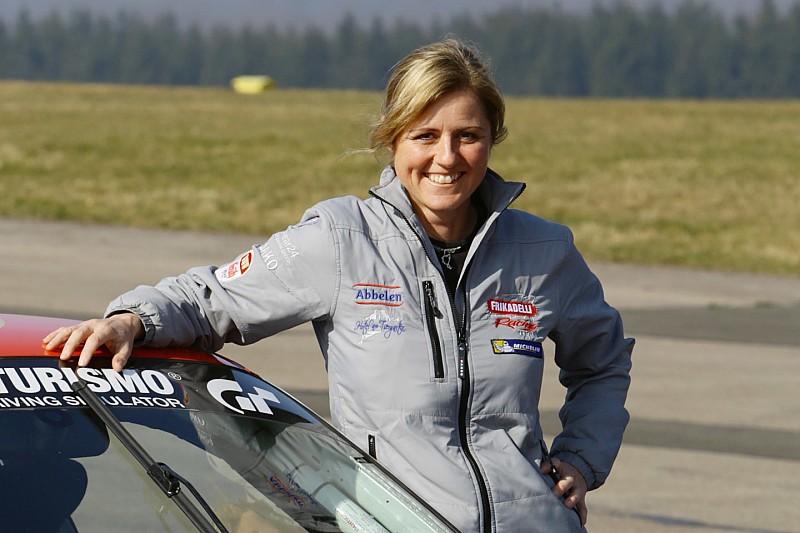 萨宾·施密茨将代表Frikadelli车队参加戴通纳24小时