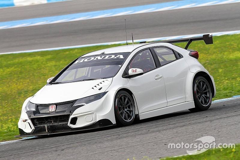 WTCC-Premiere: Erster Honda-Test für Ex-Champion Rob Huff