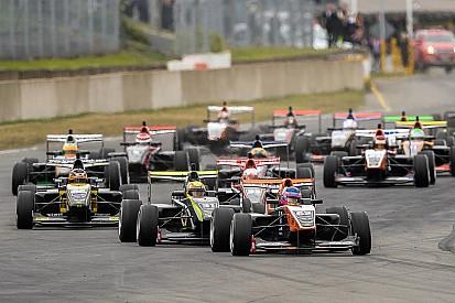 Pedro Piquet conquista primeiro pódio na TRS