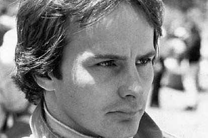 Gilles Villeneuve faria 66 anos; confira imagens da carreira