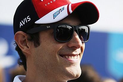 Senna vence Prost em simulador da Fórmula E