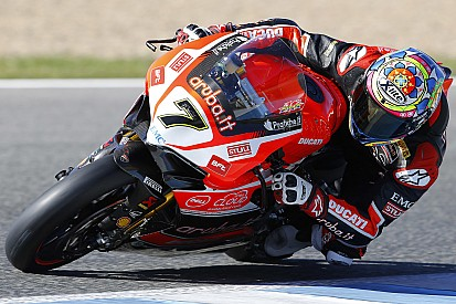 The Aruba.it Racing - Ducati team starts its 2016 campaign with a two-day test in Portimão