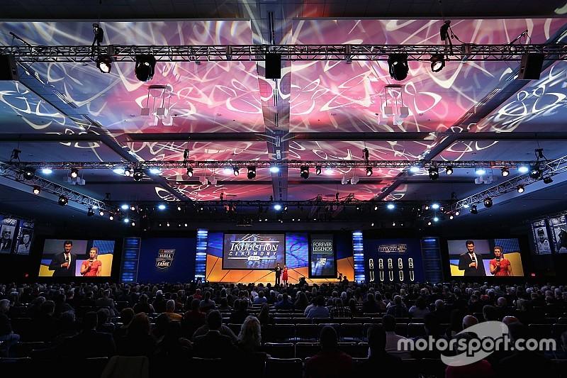 El Salón de la Fama de NASCAR recibió cinco nuevos miembros
