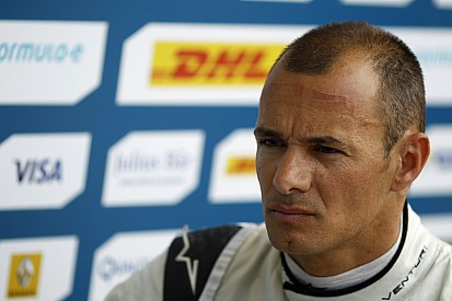 Sarrazin revela desilusão com Alain Prost na F1