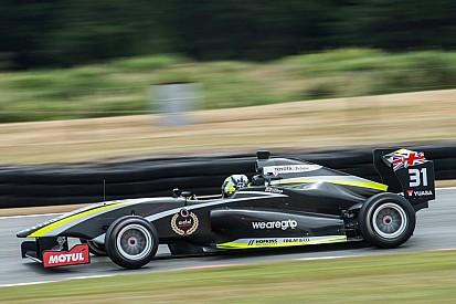 Norris vence primeira prova em Hampton Downs; Piquet é 3°
