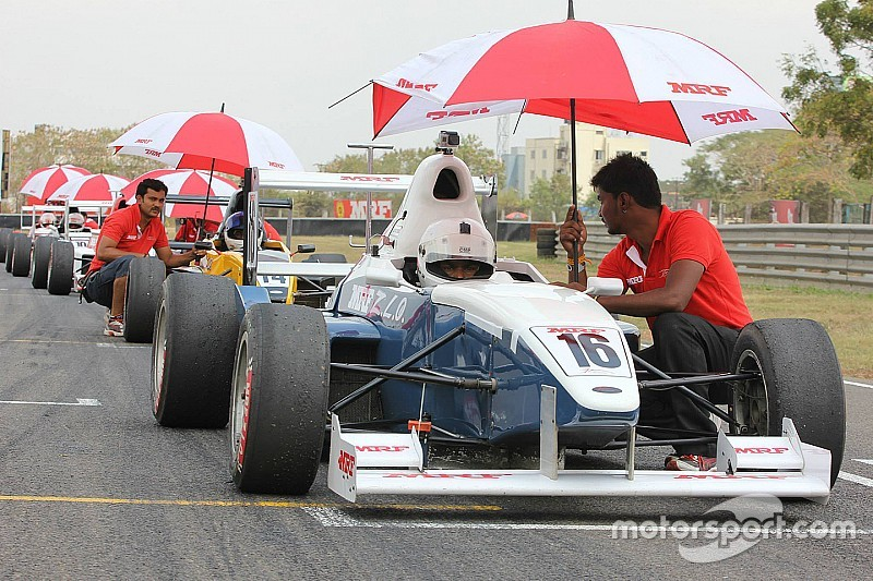 Tharani beats Reddy to MRF F1600 pole