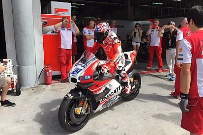Stoner volvió a subirse a una Ducati en Malasia