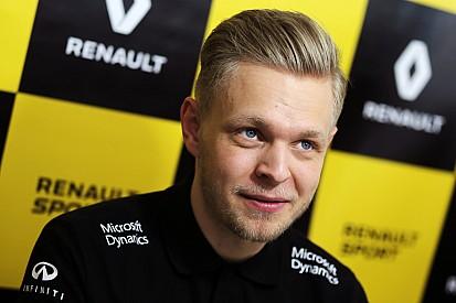 """Магнуссен испытывает """"более позитивное"""" давление в Renault"""