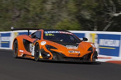 12h Bathurst: Streckenrekord und Pole-Position für Tekno-McLaren