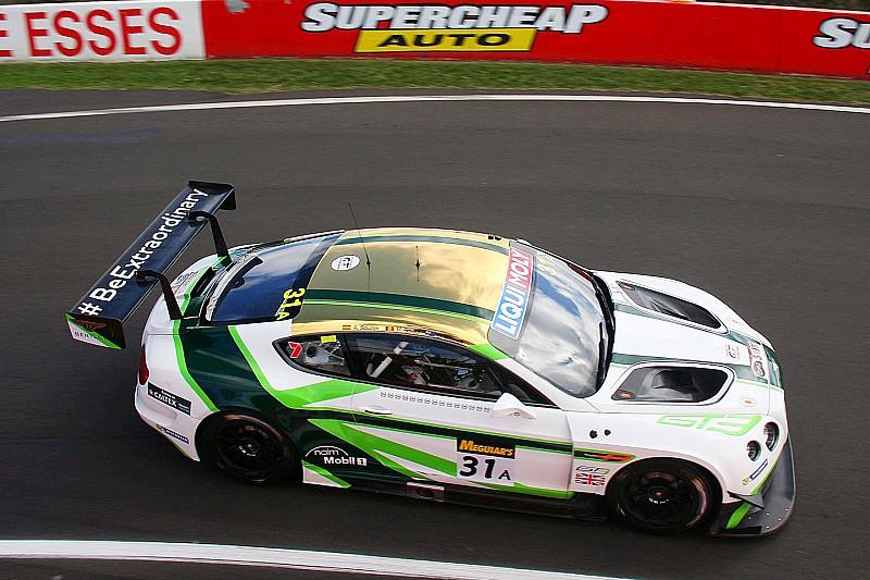 12h Bathurst: Bentley und Nissan kämpfen um die Führung