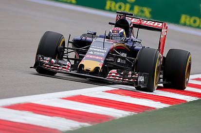 Verstappen va découvrir la STR11 dans le simulateur