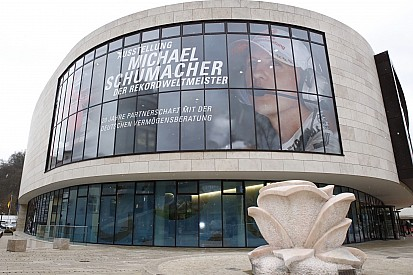 Galeria: veja fotos da exposição de Schumi na Alemanha