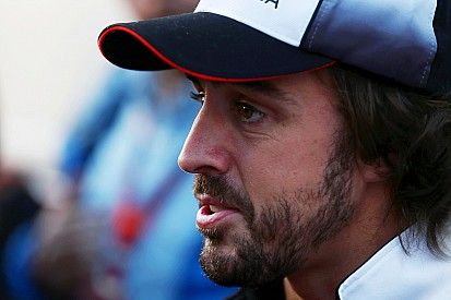 """Alonso: """"La pérdida de líquido es un punto de crisis"""""""