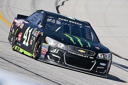 Kurt Busch larga na pole após desclassificação de Kyle