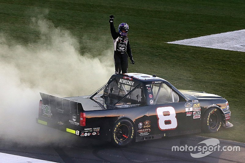 Trucks: John Hunter Nemechek profitiert von Favoritensterben