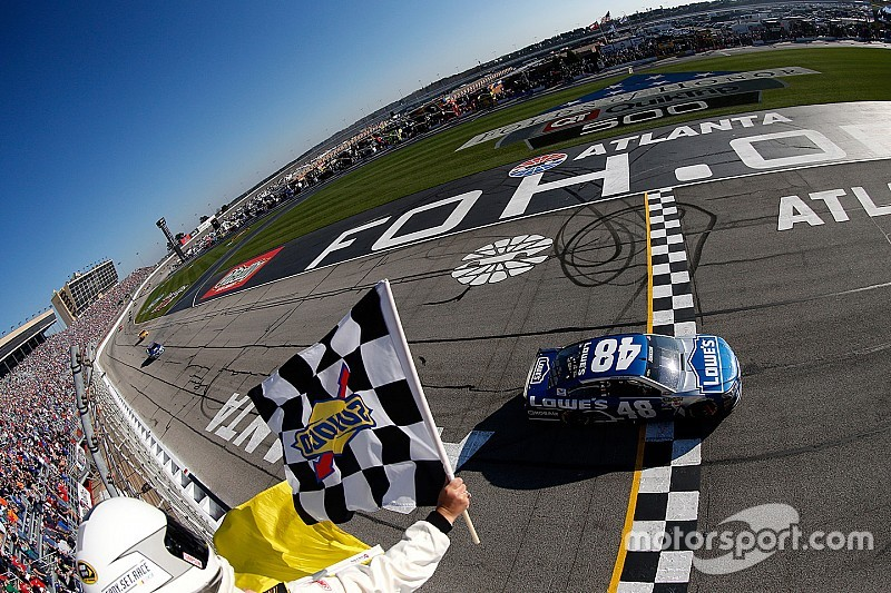 76esima vittoria in carriera per Jimmie Johnson ad Atlanta
