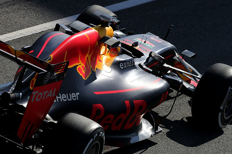 Red Bull gaat testen met alternatieve Batmobile-achtige halo