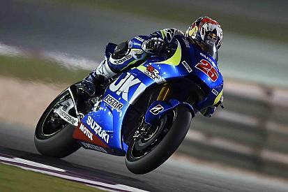 Viñales de nuevo en la parte superior en Qatar, Márquez se cae