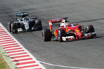 """Rosberg twijfelt aan snelheid: """"Weet niet of we voor of achter Ferrari staan"""""""