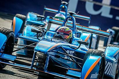 Sterke race Robin Frijns ondanks incident in de pitstraat