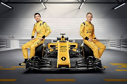 Photos - La Renault R.S.16 dans sa version définitive
