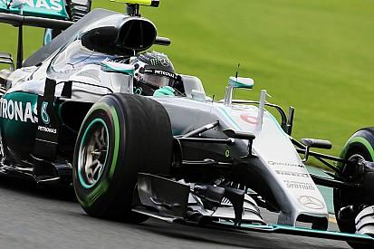 EL2 - Rosberg averti par le mur sur piste humide