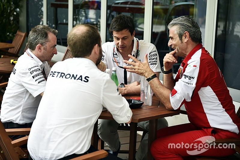 F1-fabrikanten boos over kartel-beschuldigingen Ecclestone