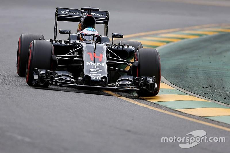 """Alonso privé de pneus mais """"très heureux"""" de sa performance"""