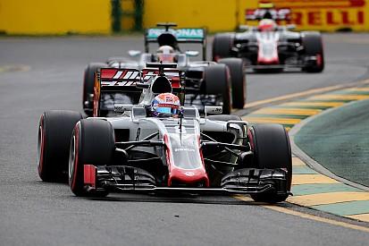 Première fantHAAStique de Romain Grosjean!