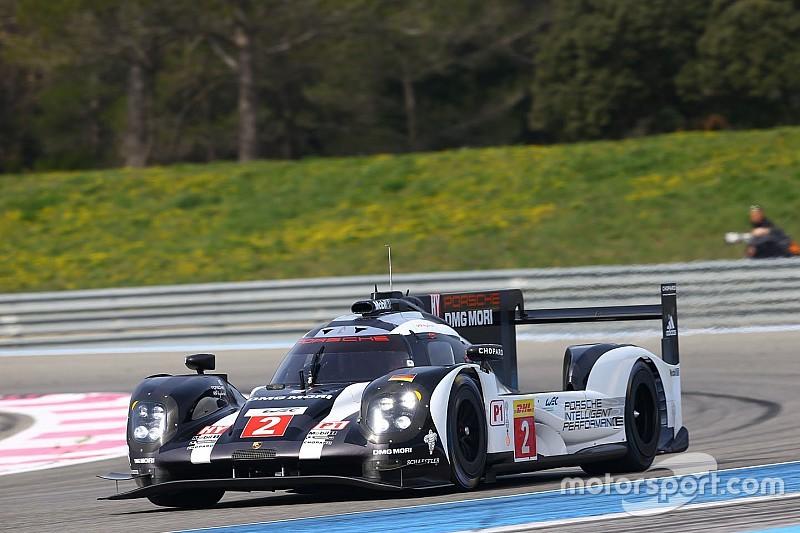 Porsche se mantiene en el primer sitio en la práctica nocturna