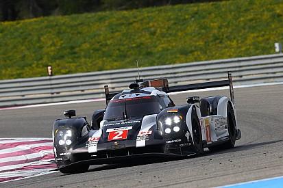 Porsche leidt de dans in ochtendsessie, Toyota veroorzaakt code rood