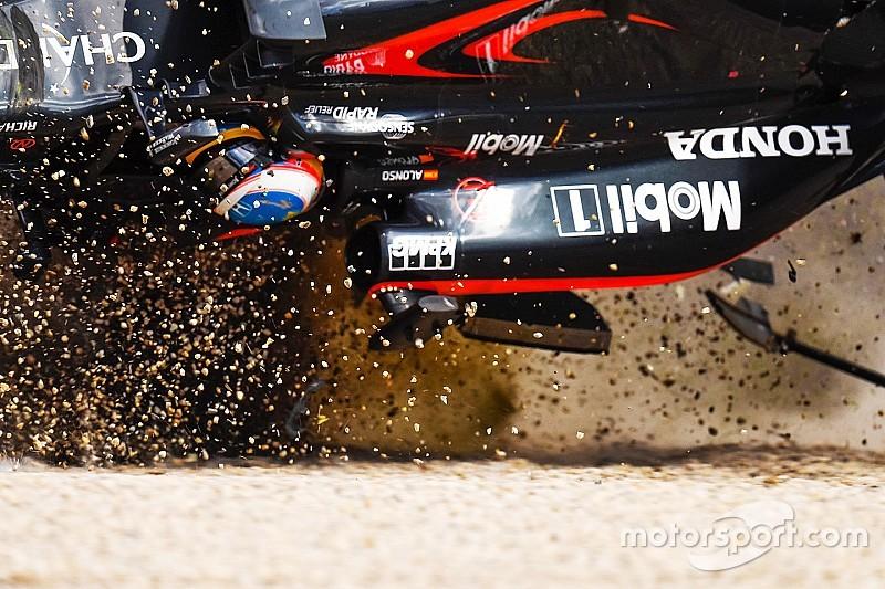 Crash di Alonso: sulla McLaren si era rotto il sedile