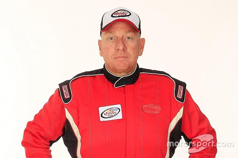 Piloto de NASCAR detenido en una operación de contrabando de tabaco