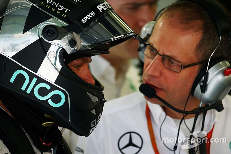 巴林大奖赛FP1:罗斯伯格轻松领跑 范多恩亮相