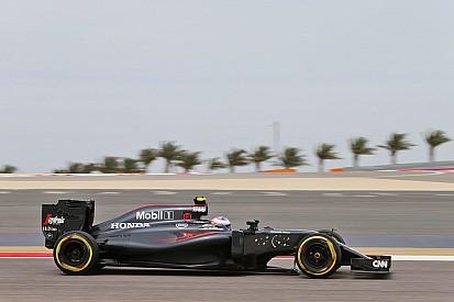 باتون: تأدية سيارة مكلارين أفضل في البحرين مُقارنةً بأستراليا